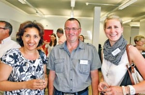 Zu Gast am Unternehmerabend der Stiftung Speranza: (v.l.) Maria Kienholz, Sepp Schriber (beide Adligenswil) sowie Gabriela Thalmann von Schindler Berufsbildung in Ebikon. (Bild apimedia)