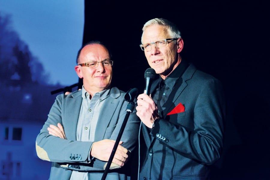 Architekt Bruno Brun mit Geschäftsleiter Paul GabrielJeanine Krebs und Slädu. Bilder zVg.