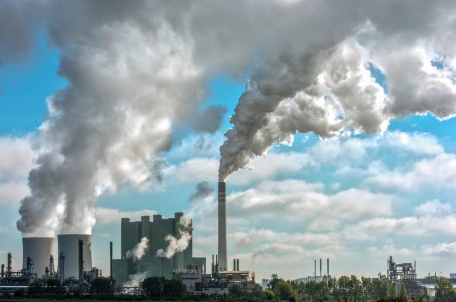 Treibhausgase wie CO2 oder Methan sind Hauptverursacher für den Klimawandel. Die Schweiz engagiert sich für eine globale Reduzierung der Emissionen. Bild: Fotolia, © Ralf Geithe