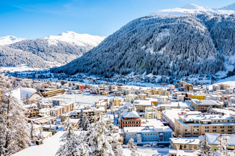 Schneesicherheit ist für den Wintertourismus in der Schweiz ein entscheidender Faktor. In vielen Regionen muss mit Kunstschnee nachgeholfen werden. Bild: Fotolia, © borisbelenky