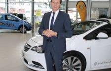 Toni Müller, Verkaufsleiter bei der Emil Frey AG in Ebikon, freute sich über die Zusammenarbeit. Bilder Stefanie Egli